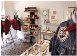 photo intérieure avec créations de la boutique creative pink créateurs de mode bijoux et accessoires au 10 rue cujas de Toulouse